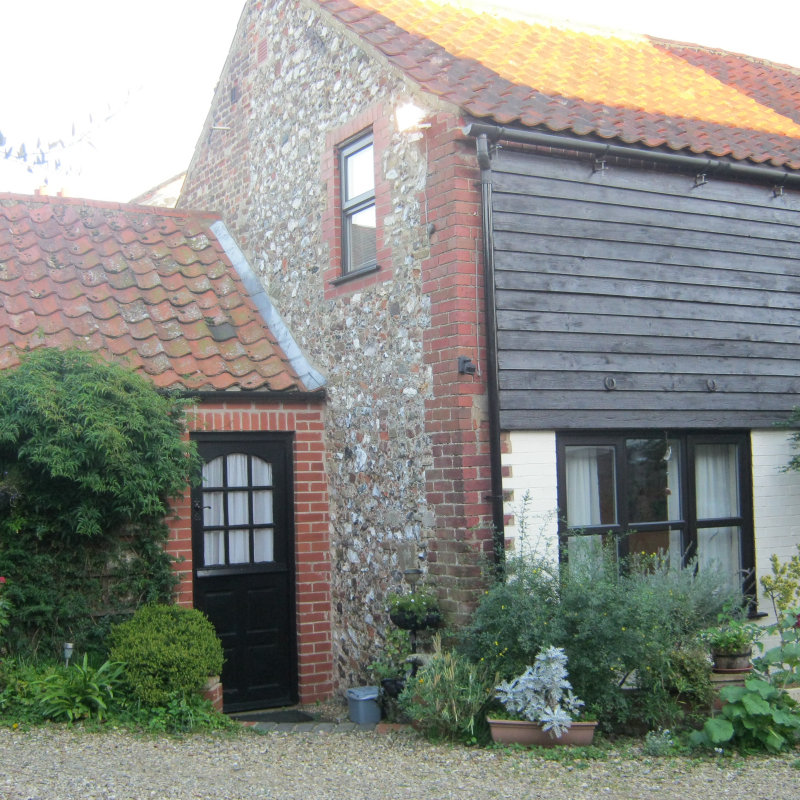 Bakery Annex, Brancaster, Norfolk - Self Catering Holiday Cottages - Self Catering Annexe - sleeps 2  